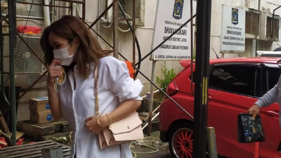 Penuhi Panggilan Polisi Terkait Video Panas, Gisel Bungkam