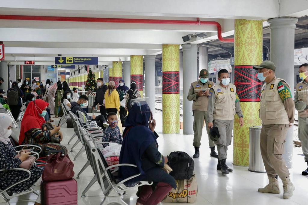 Tim Satgas Covid-19 Kota Medan Ingatkan Penumpang KA Disiplin Prokes