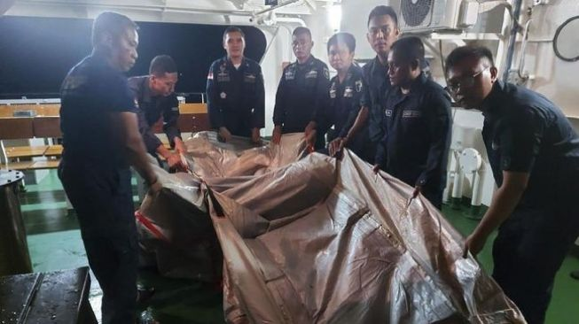 KPLP Ditjen Hubla Kemenhub Temukan Diduga Seluncur Darurat Sriwijaya Air