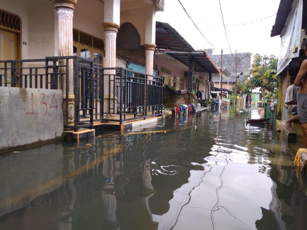 Drainase Ambruk 1,5 Bulan Rumah Warga Gang Subur Lama Tergenang, Ini Komentar Dinas PU Medan
