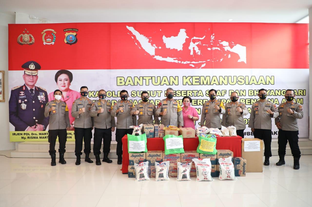 Bantuan Kemanusiaan untuk Sulbar dan Kalsel Diserahkan dari Kapolda Sumut