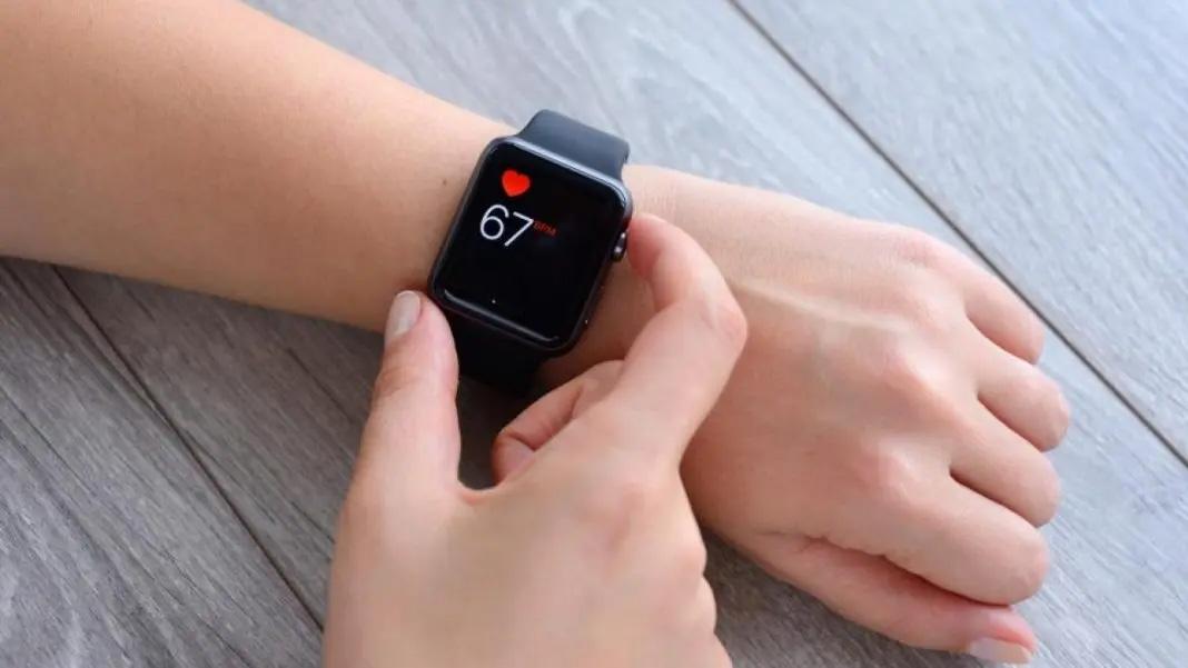Hebat, Apple Watch Bisa Deteksi Virus Korona