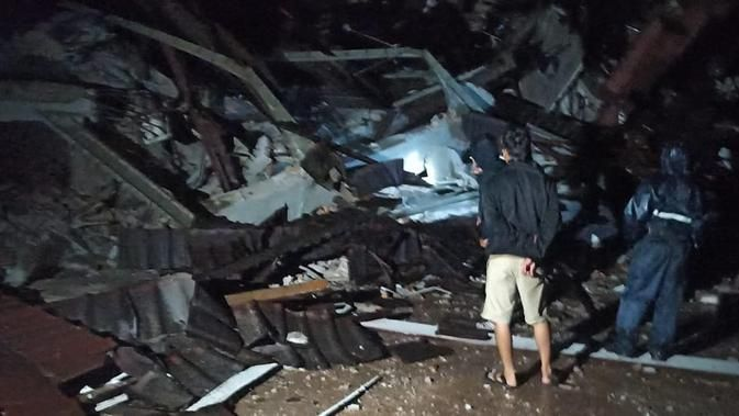 Mamuju Diguncang Gempa Susulan Magnitudo 6,2 Bikin Bangunan Roboh